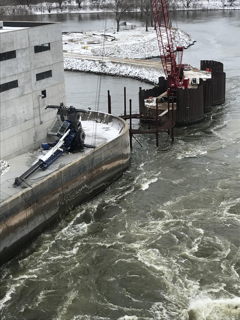 Crane Tips Over at the Red Rock Hydroelectric Project