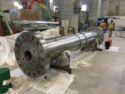 Cleaning and prepping Unit 2 turbine shaft.