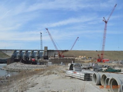 Downstream side of dam showing powerhouse construction - March 20, 2017.