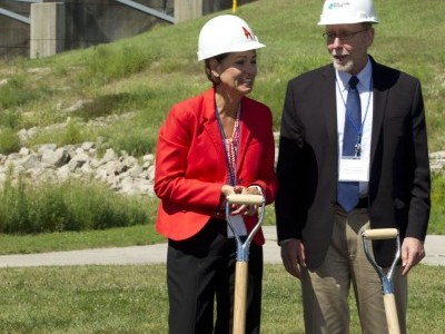 Iowa's Lt. Gov. Kim Reynolds and Congressman Dave Loebsack at the RRHP Groundbreaking Ceremony.